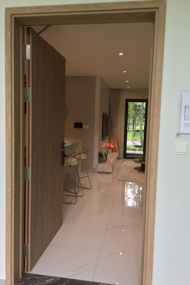 cửa chính căn hộ 3 phòng ngủ diamond alnata